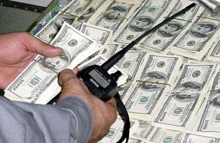 Как вывезти валюту из россии